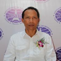 Sekretaris Pasar Amerika - Wayan Sandhi, SE